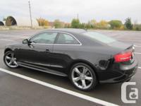 2010 Audi A5 2.0T QUATTRO / BLACK ON BLACK LEATHER /