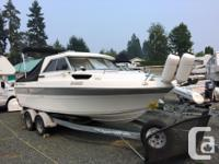 2010 Campion 622 Explorer, sedan cruiser, 4.3 MerCuiser