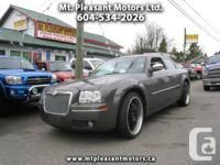 2010 Chrysler 300 Touring C - $14,995
