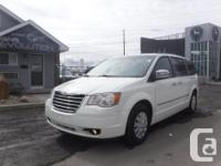 Make Chrysler Model Town & Country Year 2010 Colour