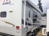 The Eagle Super Lite 5th wheel fits flawlessly right