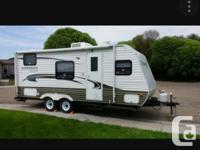 18foot travel trailer. Everything works no leaks. Has
