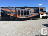 2010 Gulf Stream  Wide Open 40FT Toy Hauler. This
