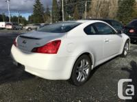 Make Infiniti Model G37X Year 2010 Colour White kms