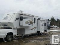 2010 Jayco Eagle 371RLQS Fifthwheel. FOR SALE OR TRADE.