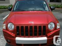 2010 Jeep Compass Limited 4X4 , leather seats , sunroof