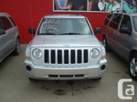 Make Jeep Model Patriot Year 2010 Colour silver kms