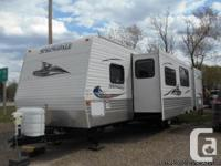 2010 Keystone Springdale 303BH Trailer. A MUST VIEW.
