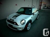 2010 MINI COOPER CAMDEN SE HATCHBACK QUIPPED WITH A 6
