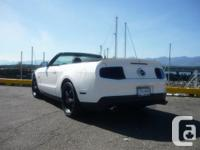 Make Ford Model Mustang Colour white Trans Manual kms