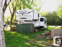 2010 Palomino Sabre 31RLTS Fifthwheel. Currently