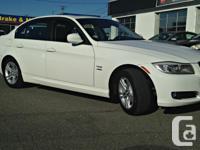 Make BMW Model 328i xDrive Colour white Trans