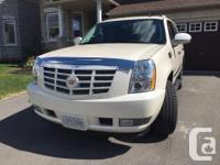 Make Cadillac Model Escalade Year 2011 Colour White