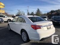 Make Chrysler Model 200 Year 2011 Colour White kms