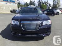 Make Chrysler Model 300 Year 2011 Colour Blue kms