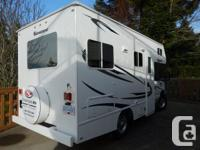 Perfect road trip RV. 19 foot 2011 Adventurer Class C