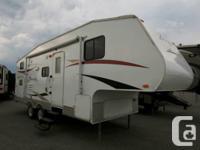 2011 CROSSROADS Recreational Vehicle ZINGER 5W 25BHS.