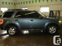 2011 Ford Escape AWD - $20986 or $177 Bi-Weekly LOADED!