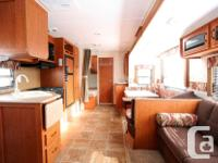 2011 FOREST RIVER CHEROKEE 250RLS Travel Trailer