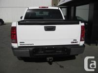 Make GMC Model Sierra 1500 Year 2011 Colour White kms
