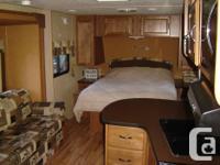 21 ft Island resort, trailer, power slide, power