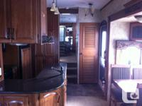 2011 Keystone Montana 3400RL , Hickory Edition. All the