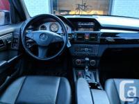 Make Mercedes-Benz Model GLK350 Year 2011 Colour dark