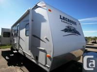 2011 PRIME TIME MFG LaCROSSE TT 305RES NON BUNK MODEL