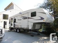Puma 253fbs Fifth Wheel Trailer  Excellent Condition.