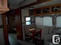 2011 Regal River 35QSQB 5th Wheel Awning, 4 Slides, 2