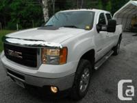 2011 GMC Sierra 2500 HD SLT Z71-- Diesel, fully packed