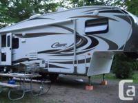2011 Keystone Cougar 5th Wheel Trailer 27'*1/2 tonne