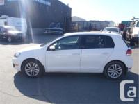 Make Volkswagen Model Golf Year 2011 Colour White kms