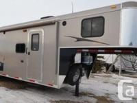 2012 Bison Living Quarters Horse Trailer Fifth Tire.