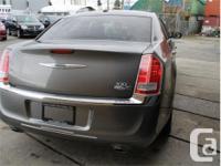 Make Chrysler Model 300 Year 2012 Colour Grey kms