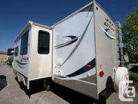 2012 CROSSROADS ZINGER 26BH BUNK HOUSE TRAVEL TRAILER