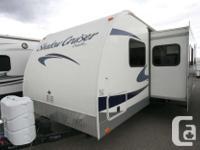 2012 CRUISER RV SHADOW CRUISER 280QBS TRAVEL TRAILER
