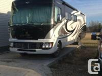 2012 Fleetwood Bounder Classic 36R Class-A Motorhome.