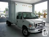 Ford E450 White, automatic, air conditioning, am/fm,