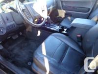 Make Ford Model Escape Year 2012 Colour black kms