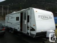 Quality travel trailer in like new condition, features