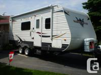 This 2012 Heartland North Country Trail Runner BH is 25