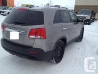 Make Kia Model Sorento Year 2012 Colour Grey kms 76900