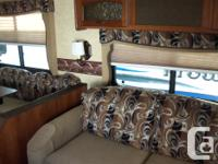 Selling 2012 Lacrosse 318 BHS travel trailer. Bunkhouse