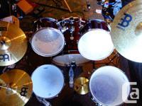 Selling my relatively new Birch Mapex Horizon drumkit +
