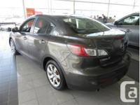 Make Mazda Model MAZDA3 Year 2012 Colour Grey kms