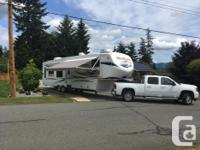 2012 Montana 3402 5th Wheel 4 slides [ 40 feet with