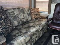 This 25.5 foot 2012 Springdale travel trailer is in new