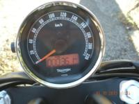 2012 Triumph Speedmaster 865cc Mint condition, includes