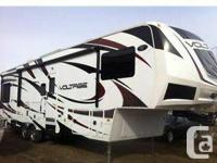 Reduced in price 2012 3200 toyhauler fifth wheel for